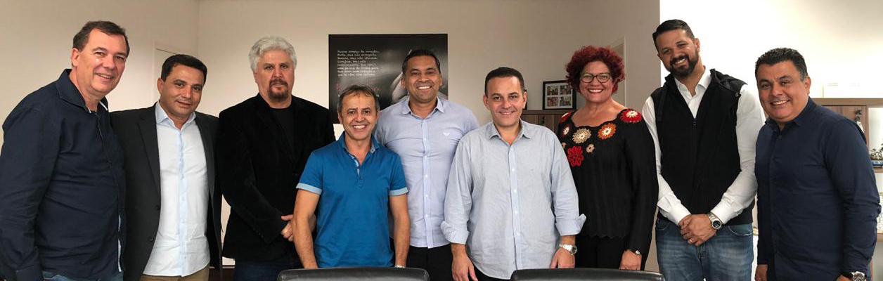 Cotia: Rogério Franco empossa cinco novos secretários