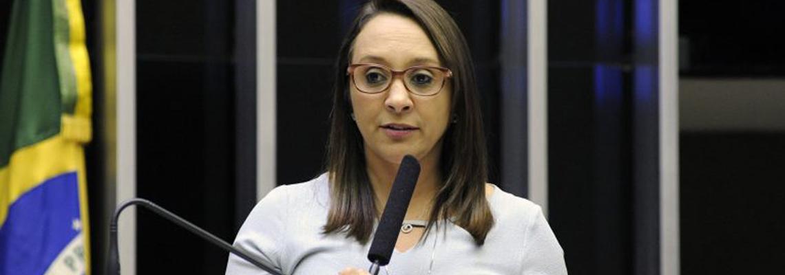 Deputada quer transformar restos humanos em adubo