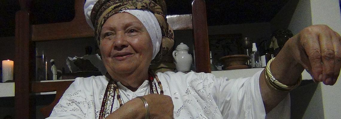 Alcina: filha de Xangô, mãe de muitos
